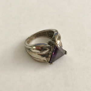 Jewelry - Vintage Sterling Silver Purple Stone Ring 4.75